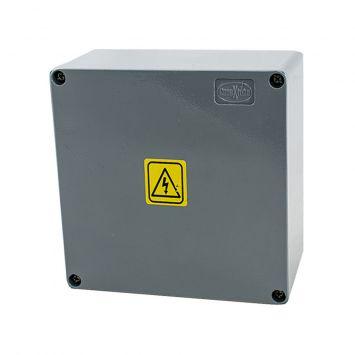 Caja estanca de aluminio inyectado ip65 multifunción 150x150x75mm
